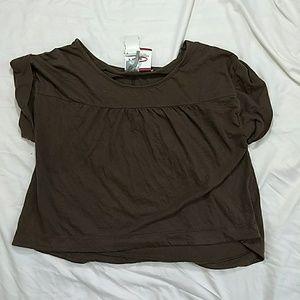 Bobi Gathered Yoke Short Sleeve HiLo Shirt, Size S